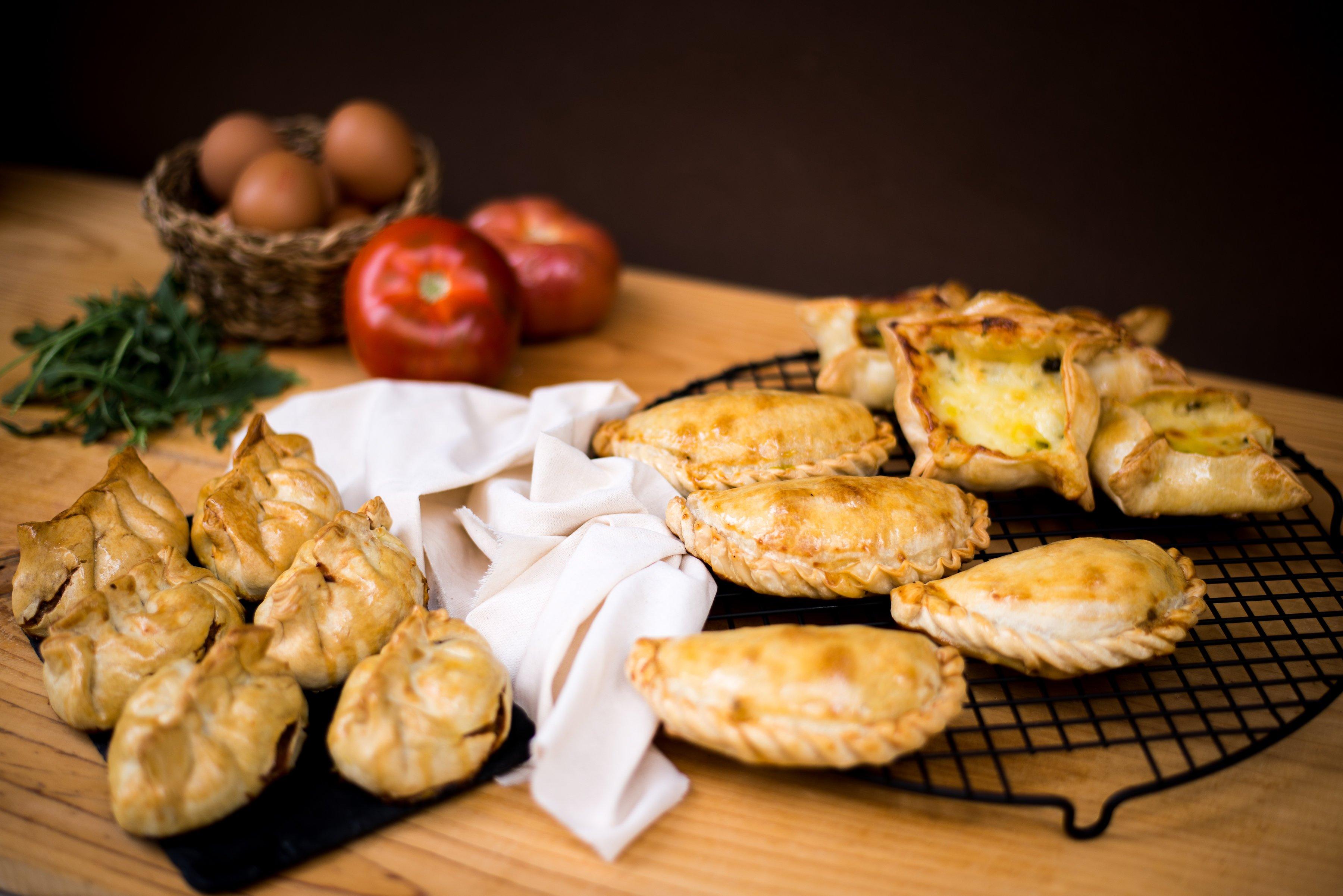 <b>Empanadas argentinas</b> <br>de pollo, ternera o queso con puerros</b>