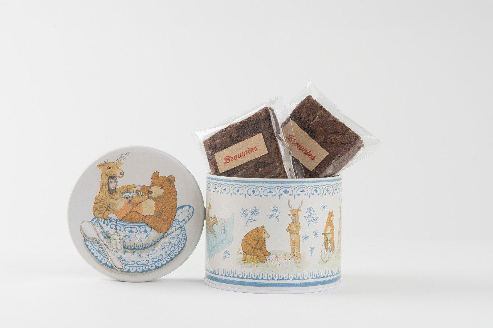 <b>Brownies o cookies</b> <br> en lata ilustración «La Merendona»