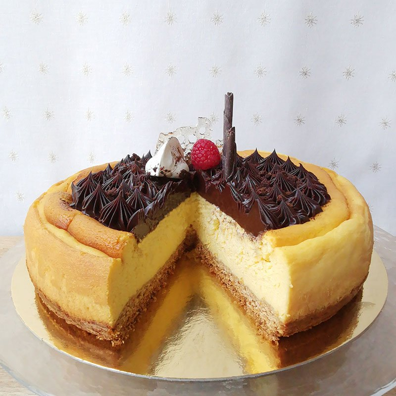 <b>Tarta de queso </b> <br>con chocolate negro