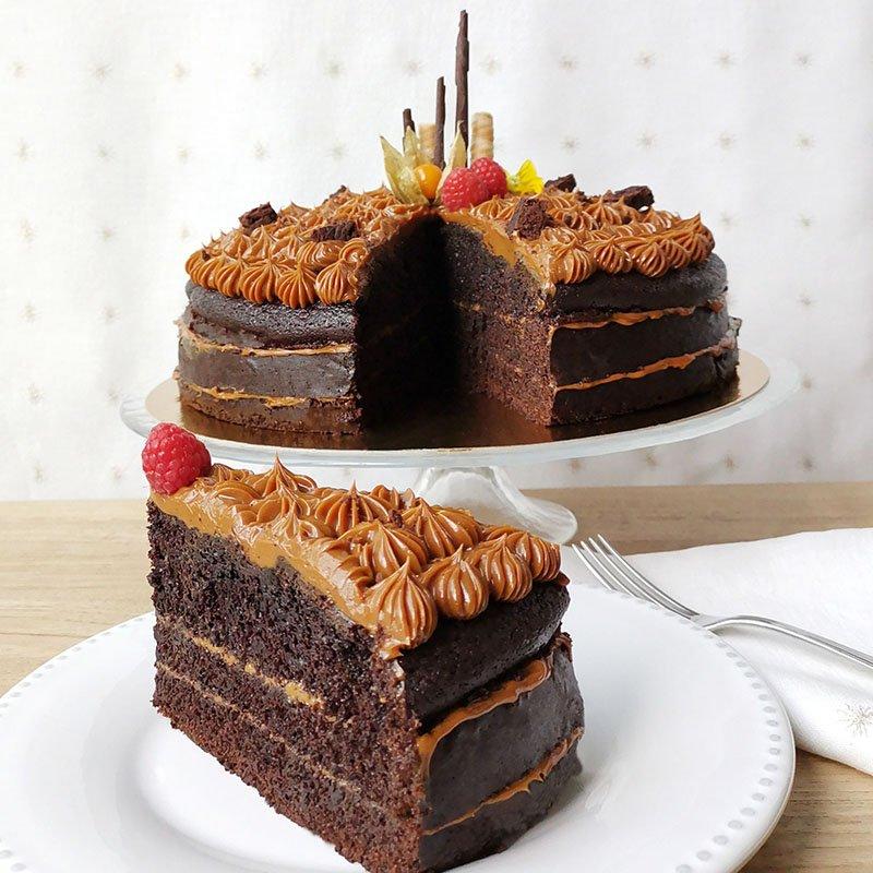 <b>Tarta de chocolate </b> <br>con dulce de leche