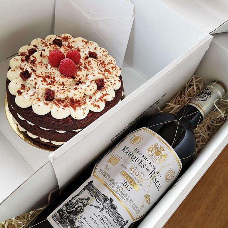 <b>Celebramos con tarta Red Velvet y vino tinto</b><br>