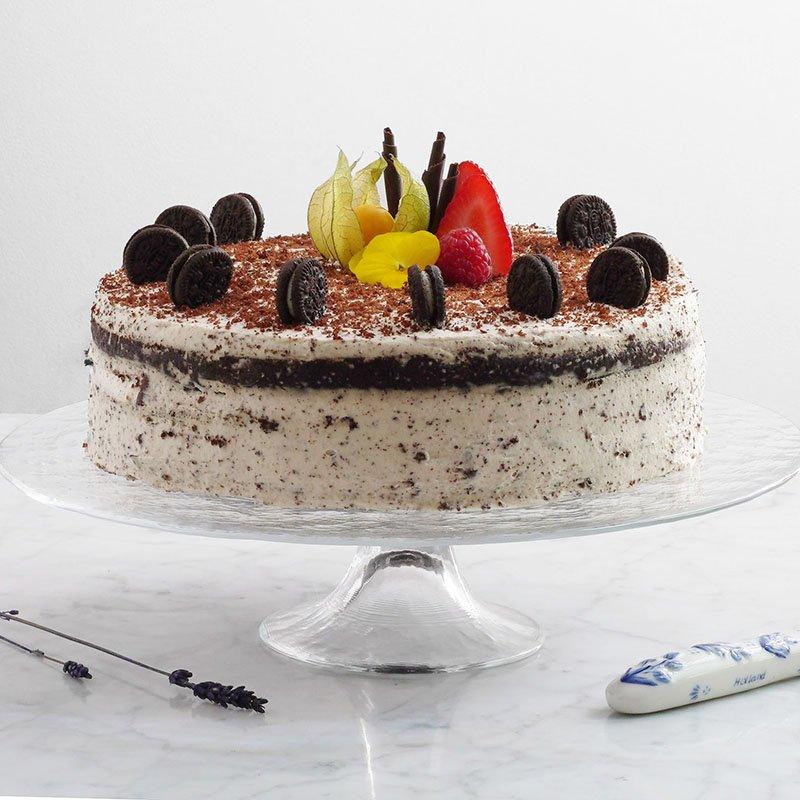 <b>Tarta de Choco Oreo</b> <br> nata, ganache y galletas en una tarta!